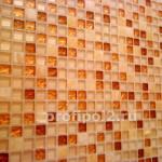 стеклянная мозаика со вставками камня